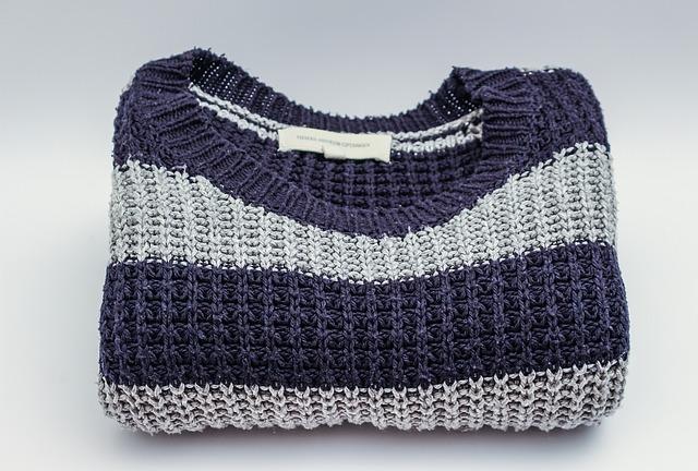 衣替えでセーターを保管するポイント